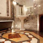 Bedroom 17 bathroom
